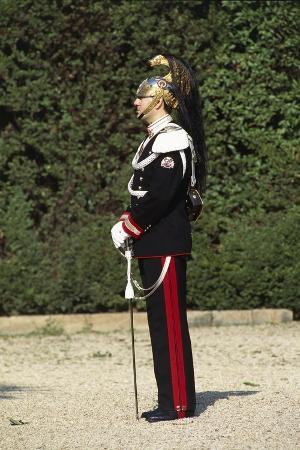 italy-corazzieri-soldier-in-winter-uniform-at-cuirassiers-gala