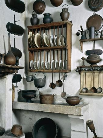 italy-mantua-palazzo-d-arco-ancient-wooden-copper-and-pewter-utensils-on-display-in-kitchen