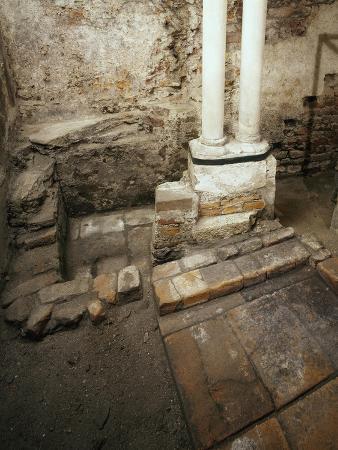 italy-milan-basilica-of-sant-ambrogio-ciel-d-oro-oratory-of-san-vittore