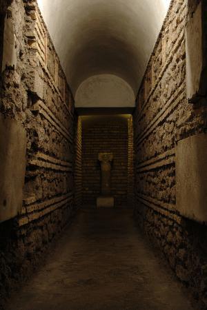 italy-rome-basilica-of-saint-cecilia-in-trastevere
