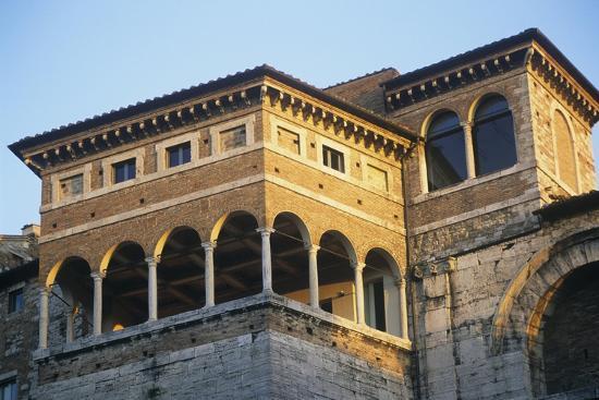 italy-umbria-perugia-part-of-etruscan-arch
