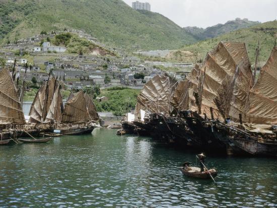 j-baylor-roberts-junks-fill-the-harbor