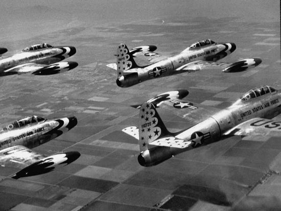 j-r-eyerman-f84-planes-flying-in-formation