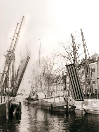 james-batkin-canal-bridge-and-boats-dordrecht-netherlands-1898