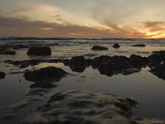 james-forte-tidal-water-at-sunset-close-up-california