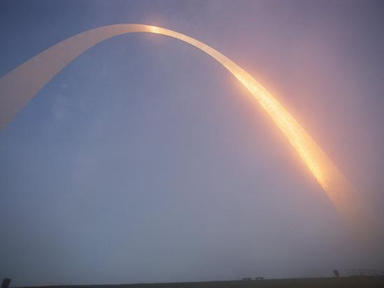 james-l-stanfield-misty-view-of-gateway-arch