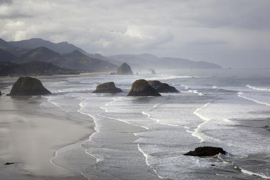 jamie-judy-wild-cannon-beach-and-haystack-rock-crescent-beach-ecola-state-park-oregon-usa