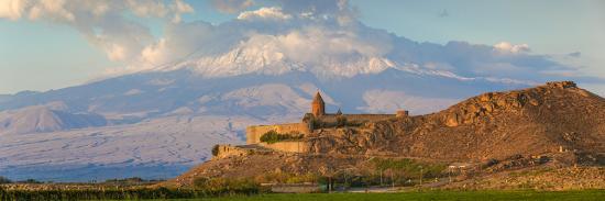 jane-sweeney-armenia-yerevan-ararat-plain-khor-virap-armenian-apostolic-church-monastery