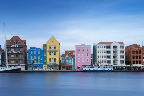 jane-sweeney-st-anna-bay-looking-towards-colonial-merchant-houses-lining-handelskade-along-punda-s-waterfront