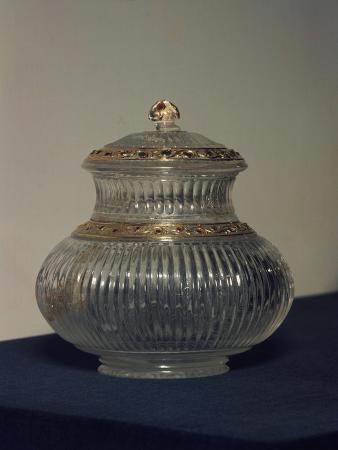 jar-with-lid-crystal-mughal-dynasty-indian-civilization