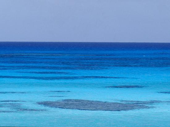 jason-edwards-rich-turquoise-seas-and-coral-reefs-surround-remote-tropical-islands