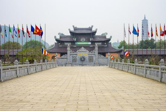 jason-langley-bai-dinh-temple-chua-bai-dinh-gia-vien-district-ninh-binh-province-vietnam-indochina