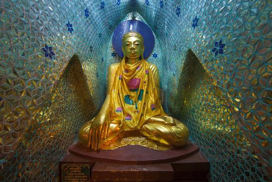 jaynes-gallery-myanmar-yangon-buddha-statue-in-shwedagon-temple