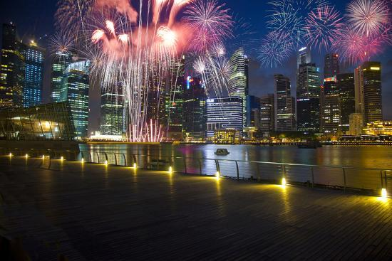 jaynes-gallery-singapore-fireworks-in-downtown-area