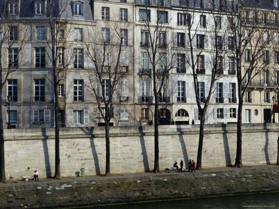 jean-bernard-carillet-buildings-on-ile-saint-louis