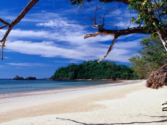 jean-bernard-carillet-tropical-beach-on-nosy-iranja