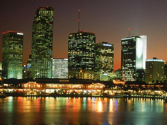 jeff-greenberg-city-skyline-at-night-miami-fl