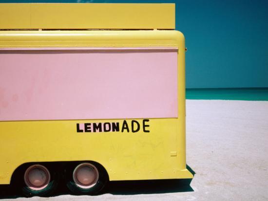 jeffrey-becom-lemonade-truck-on-beach-miami-usa