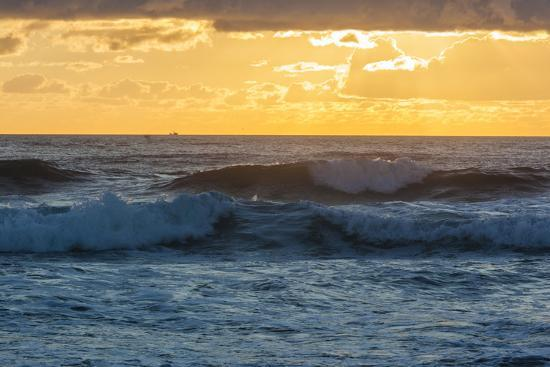 jerry-and-marcy-monkman-dawn-over-the-atlantic-ocean-at-coast-guard-beach-eastham-massachusetts