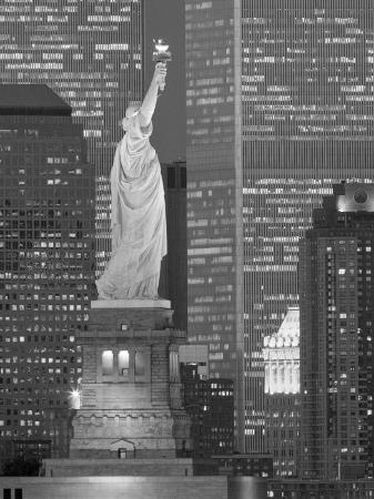 jerry-driendl-ny-towers-and-statue