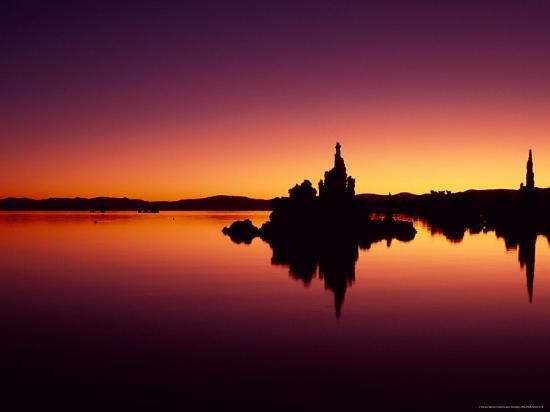 jerry-ginsberg-tufa-towers-reflect-in-mono-lake-california-usa