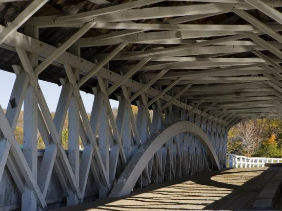 jerry-marcy-monkman-covered-bridge-over-the-upper-ammonoosuc-river-groveton-new-hampshire-usa