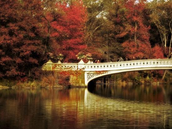 jessica-jenney-fall-at-bow-bridge