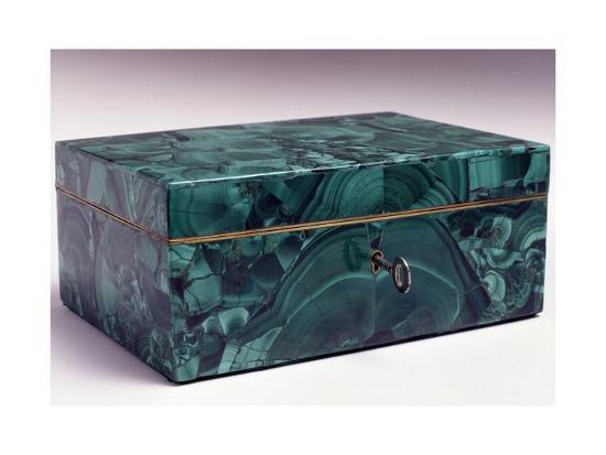 jewelry-box-covered-with-malachite-ca-1840-russia