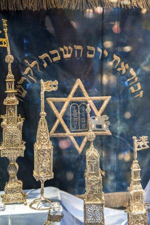 jim-engelbrecht-silver-spice-containers-dohany-synagogue-budapest-hungary