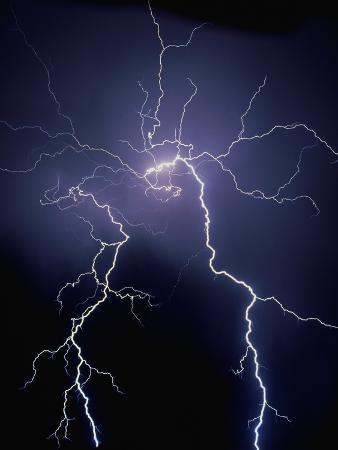 jim-zuckerman-lightning-at-night