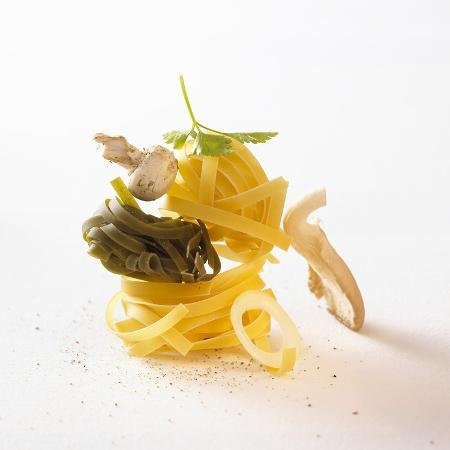 jo-kirchherr-ingredients-for-tagliatelle-with-mushrooms-and-herbs