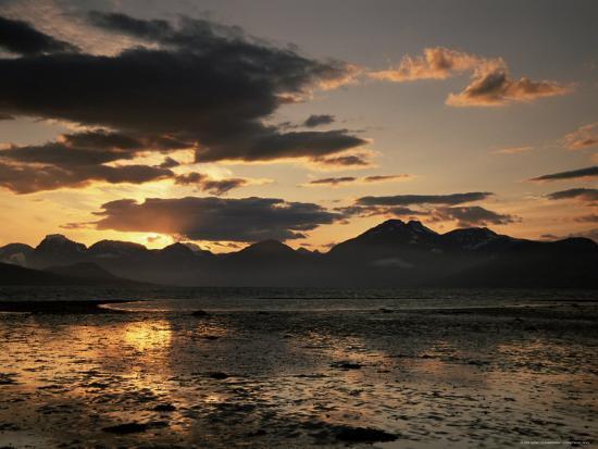 jochen-schlenker-balsfjorden-lit-by-the-midnight-sun-troms-norway-scandinavia-europe