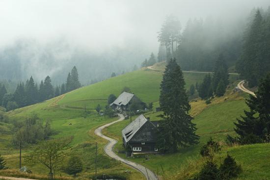 jochen-schlenker-farmhouses-in-fog-muchenland-black-forest-baden-wurttemberg-germany-europe