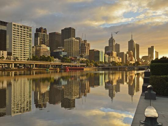 jochen-schlenker-sunrise-melbourne-central-business-district-cbd-and-yarra-river-melbourne-victoria-australia
