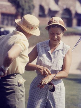 joe-scherschel-women-playing-golf-at-charlotte-country-club-charlotte-north-carolina