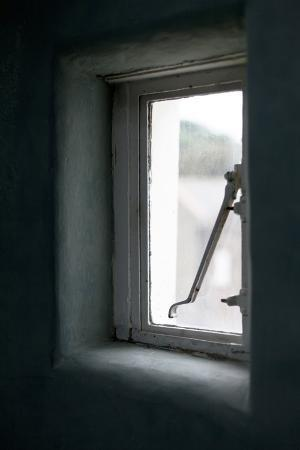 joel-knight-detail-of-small-window-in-the-reading-rooms-margate-kent-uk