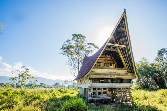 john-alexander-traditional-batak-house-in-lake-toba-sumatra-indonesia-southeast-asia