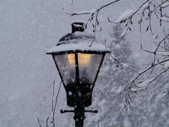 john-churchman-lamp-post-in-the-evening-snow