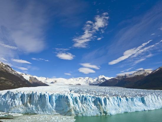 john-eastcott-yva-momatiuk-perito-moreno-glacier-and-patagonian-andes