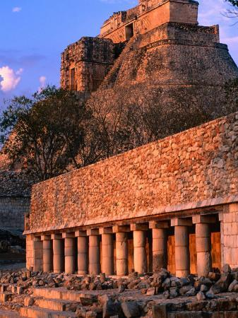 john-elk-iii-pyramid-of-magician-piramide-del-adivino-on-mayan-site-uxmal-mexico