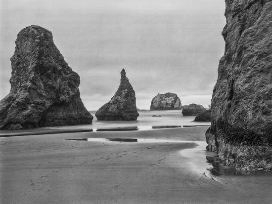 john-ford-usa-oregon-coast-bandon-beach-monoliths