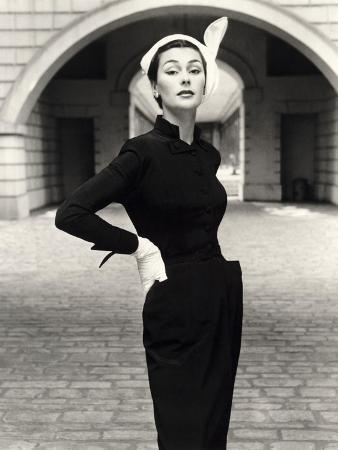 john-french-anne-gunning-in-a-velveteen-evening-coat-1952