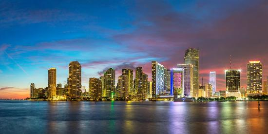 john-kellerman-usa-florida-miami-skyline-at-dusk