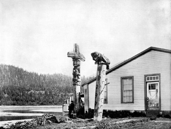 john-l-stoddard-totem-poles-alaska-usa-1893