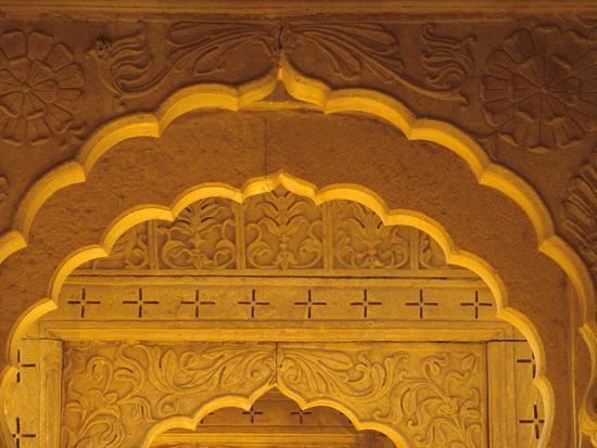 john-lisa-merrill-carved-sandstone-arches-within-cenotaphs-at-bada-bagh-1585-jaisalmer-rajasthan-india