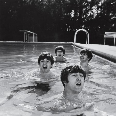 john-loengard-paul-mccartney-george-harrison-john-lennon-and-ringo-starr-taking-a-dip-in-a-swimming-pool