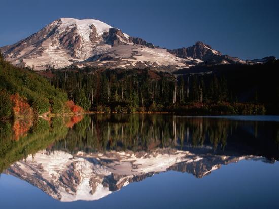 john-mcanulty-mount-rainier-reflected-in-bench-lake