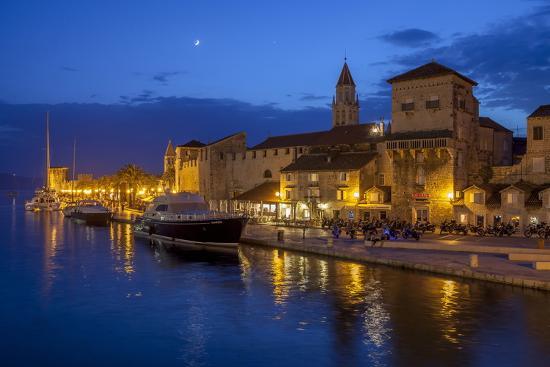 john-miller-waterfront-lit-up-at-dusk-trogir-unesco-world-heritage-site-dalmatian-coast-croatia-europe