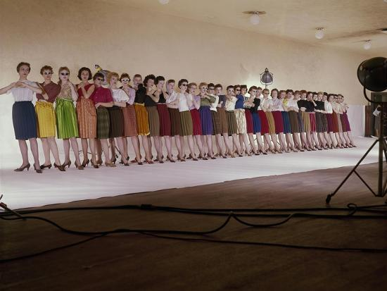 john-rawlings-vogue-august-1959-chorus-line