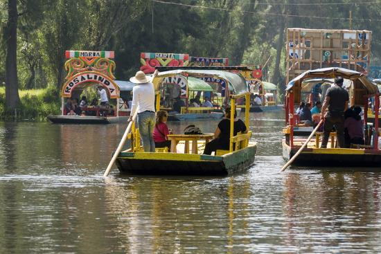 john-woodworth-colourful-boats-at-the-floating-gardens-in-xochimilco